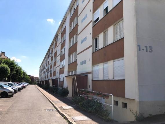 Appartement  5 pieces de 84 m² Residence securiser avec garage